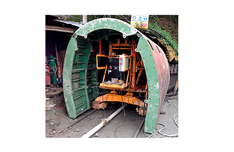 FORMWORK AND CARRIAGE FOR TUNNEL – CHILE
