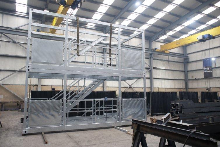 Escaleras configurables en altura y desmontables
